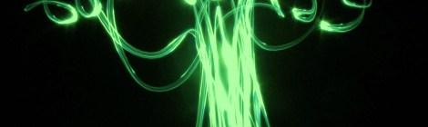 Árvore de Luz - Design com Luz na noite pura de Mamanguá